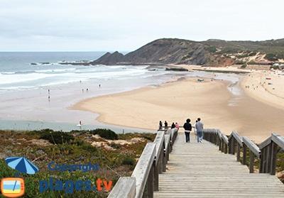 Belle plage à Aljezur au Portugal