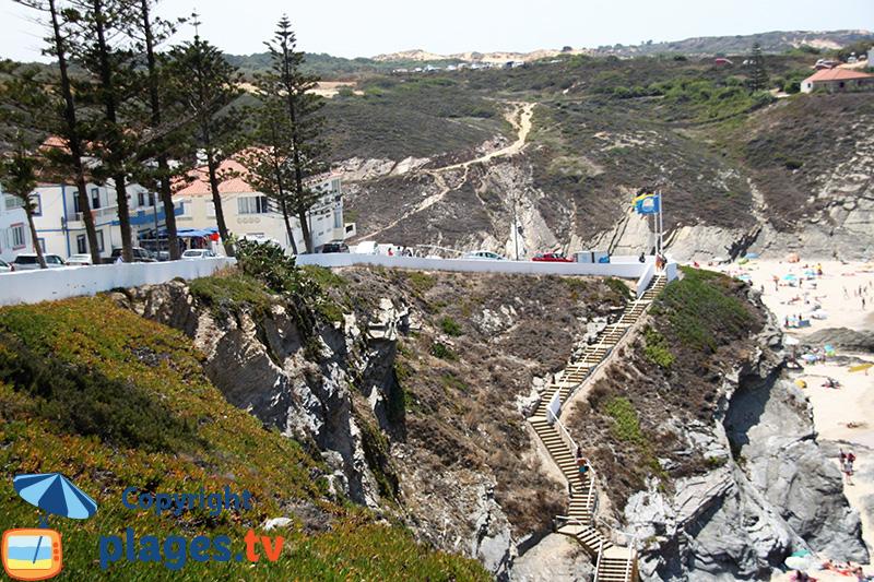Escaliers d'accès aux plages de Zambujeira do Mar