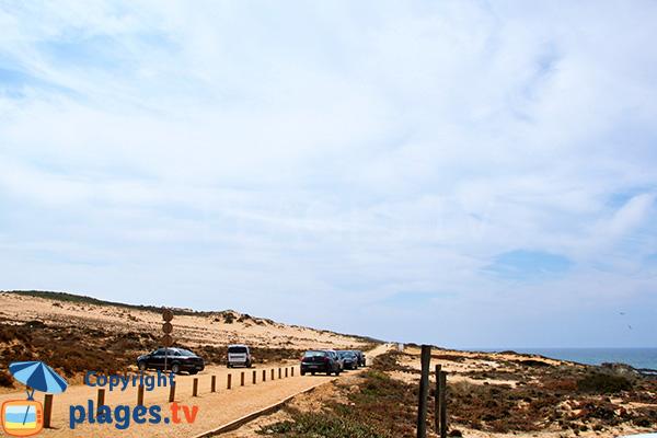 Sentier d'accès à la plage d'Almograve Sul
