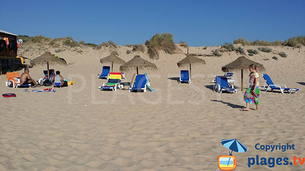 Location de matelas sur la plage d'Armoreira do Mar - Aljezur