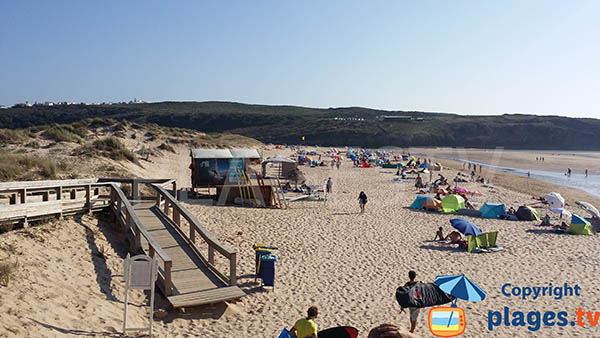 Photo de la plage d'Armoreira do Mar à Aljezur - Portugal