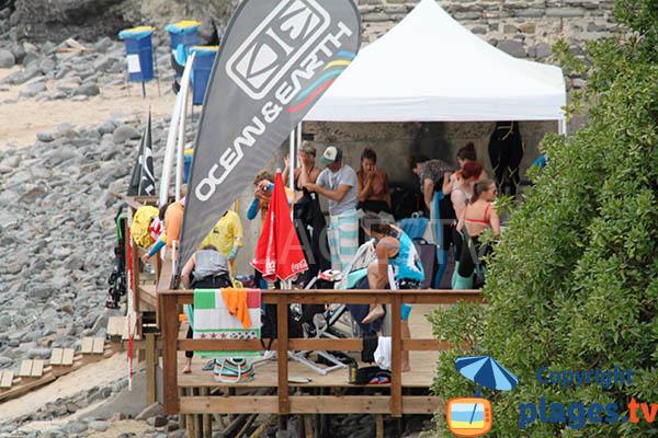 Magasin de surf sur la plage d'Arrifana à Aljezur - Portugal