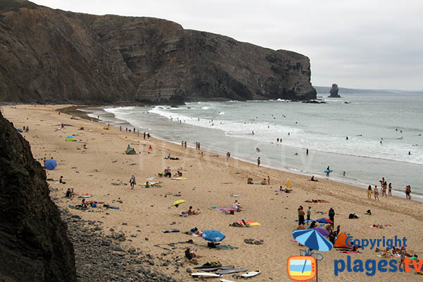Falaises de la plage d'Arrifana à Aljezur au Portugal