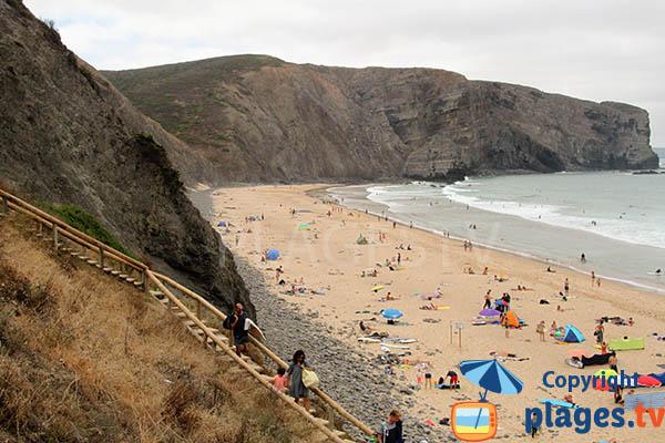 Accès à la plage d'Arrifana à Aljezur au Portugal
