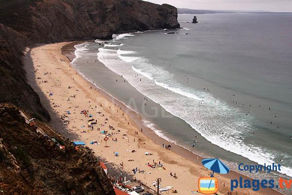 Photo de la plage d'Arrifana à Aljezur au Portugal