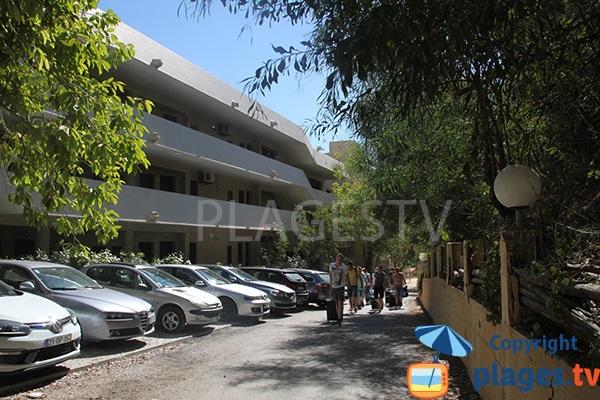 Accès par les résidence à la crique Aveiros à Albufeira