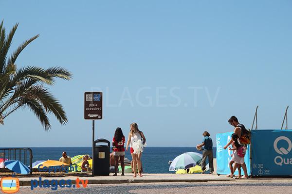Accès à la plage Azul de Quarteira