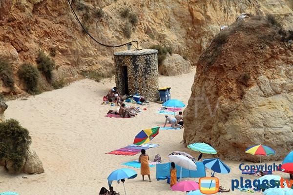 Douche sur la plage de Portimao - Barranco das Canas