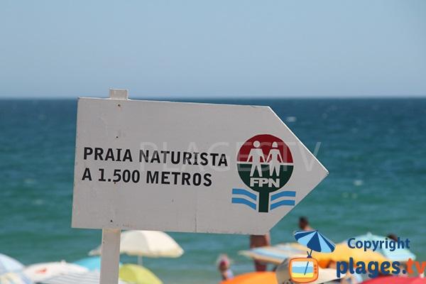 Zone naturiste de la plage de Barril sur l'ile de Tavira - Portugal