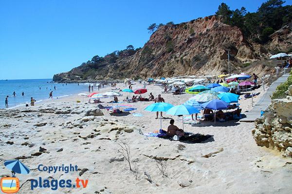 Falaises autour de la plage de Barranco das Belharucas - Albufeira