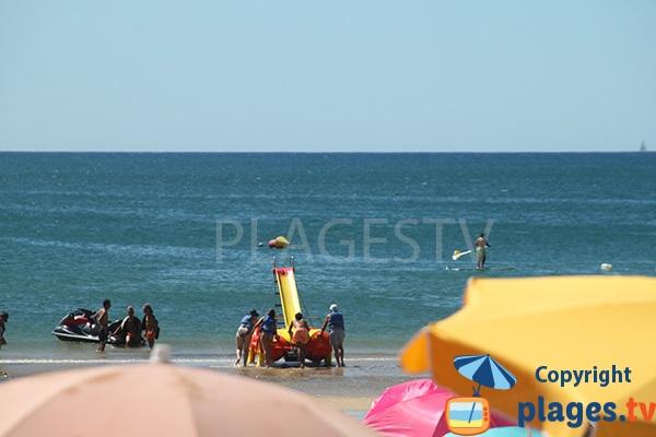 Sport nautique sur la plage de Cabeco
