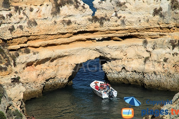 Grotte sur la plage de Camilo à Lagos - Portugal