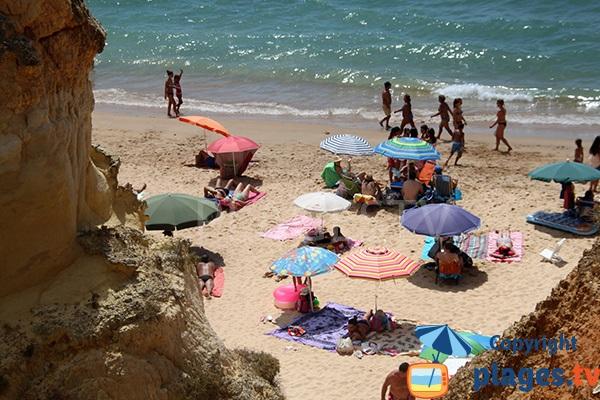 Falaises autour de la plage de Careanos - Portimao