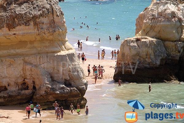 Accès à la plage de Tres Castellos depuis la plage de Careanos - Portimao
