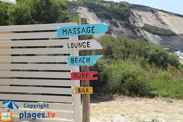 équipements de la plage de Carvalhal au Portugal