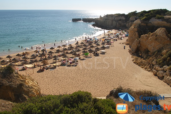 Photo de la crique du Castelo à Albufeira