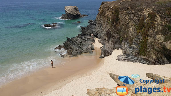 Falaises autour de la plage de Cerca Nova à Porto Covo au Portugal