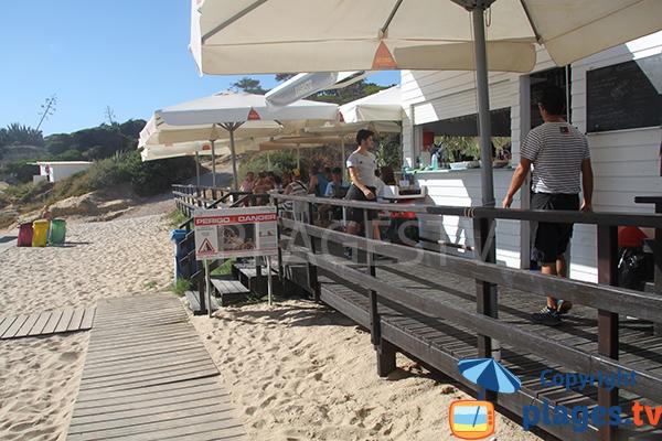Restaurant sur la plage de do Evaristo à Albufeira - Portugal