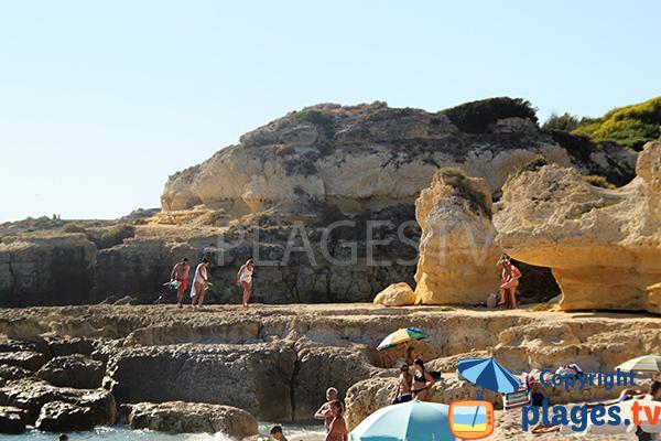 Falaise de la plage de do Evaristo à Albufeira