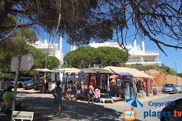 Magasins à proximité de la plage de Falesia à Albufeira