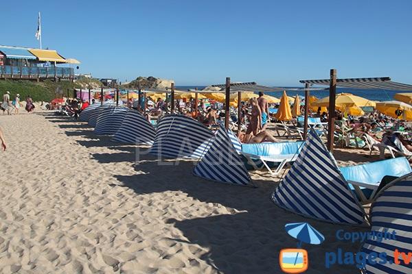 Zone privée sur la plage de Galé à Albufeira - Portugal