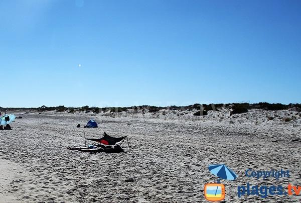 Plage naturiste sur l'ile de Tavira au Portugal