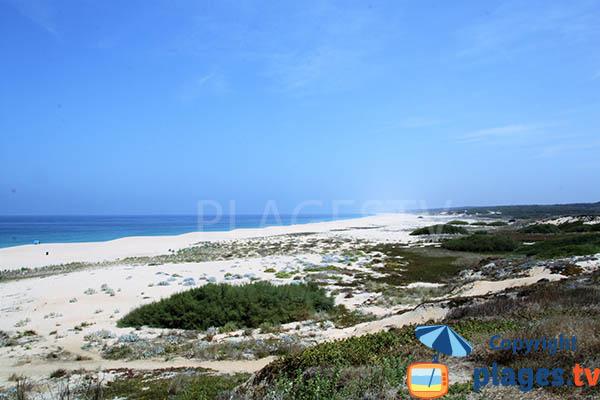 Photo de la plage de Lago à Sines au Portugal