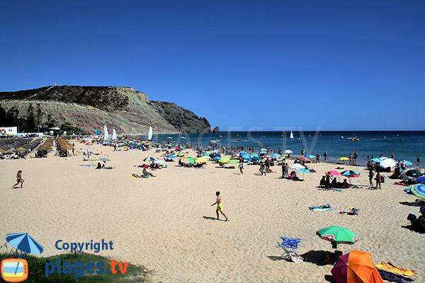Grande plage de Luz au Portugal à proximité de Lagos