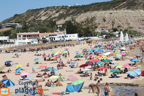 Photo de la plage de Luz à Lagos au Portugal