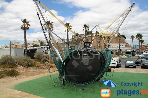trampoline sur la plage de la Marina à Portimao