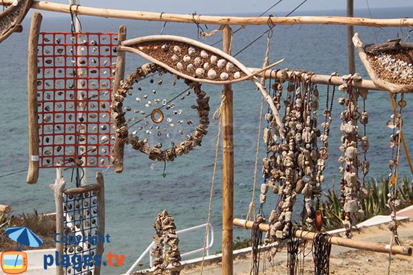 Artisan à proximité de la plage de Nossa Senhora