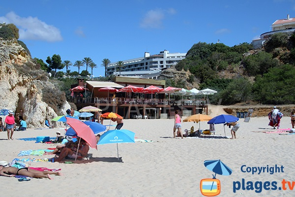 Restaurant sur la plage de Prainha Hantero à Portimao