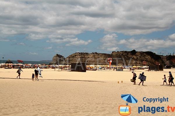 Falaises autour de la plage de Rocha à Portimao - Portugal