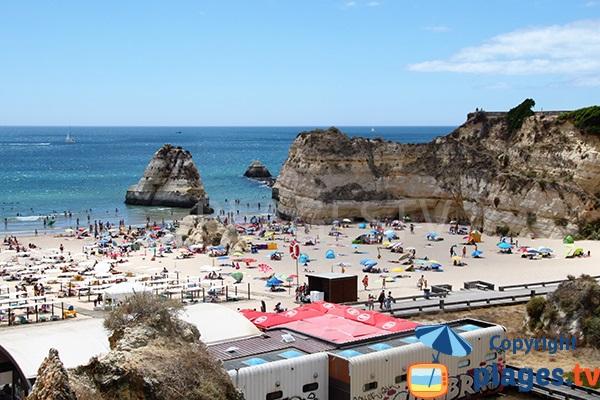 Ouest de la plage de Rocha au Portugal - Portimao