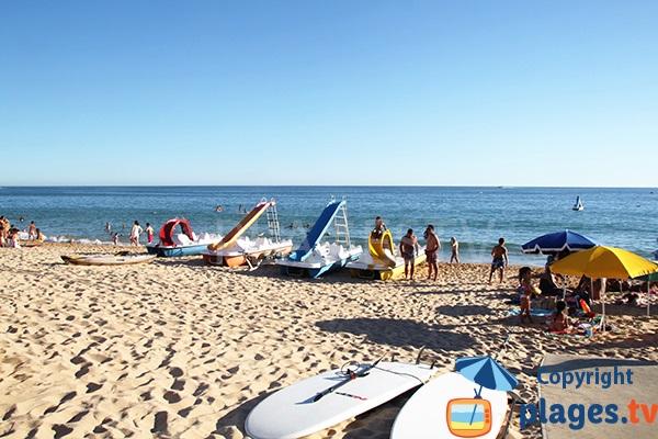 Location de pédalos sur la plage de Salgados à Albufeira - Portugal