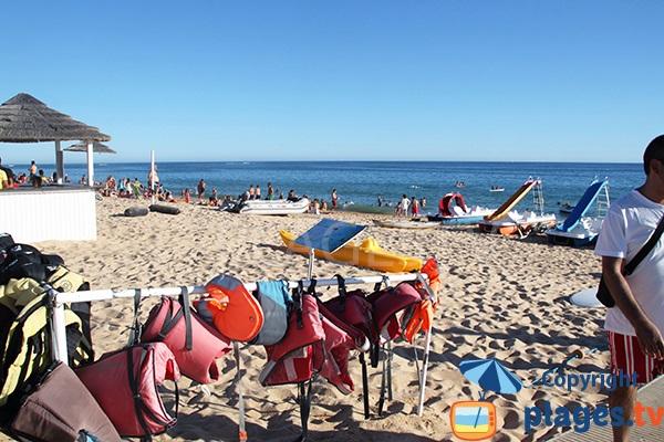 Activités sur la plage de Salgados à Albufeira - Portugal