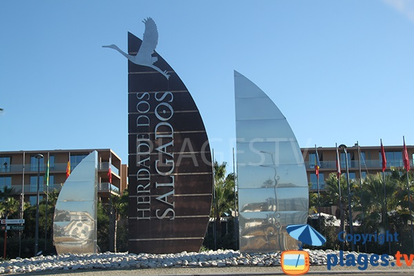 Zone touristique autour de la plage de Salgados à Albufeira