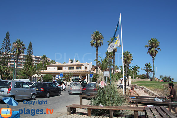 Résidences autour de la plage de Santa Eulalia à Albufeira - Portugal