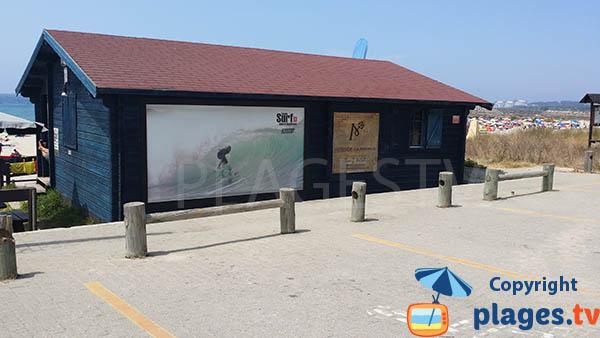 Ecole de surf de la plage de Sao Torpes à Sines - Portugal
