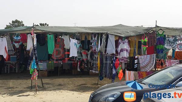 Marchands ambulants à Sines - plage de Sao Torpes