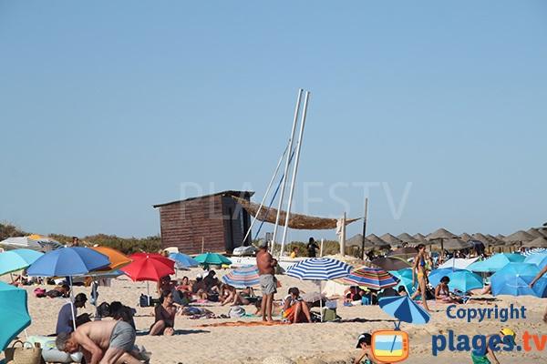 Zone centrale de la plage de Terra Estreita à ilha de Tavira - Portugal