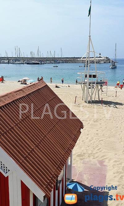 Vue sur le port de plaisance depuis la plage de Vasco de Gama - Sines