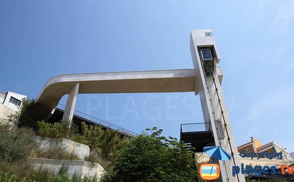 Ascenseur de la plage de Vasco de Gama à la vieille ville de Sines