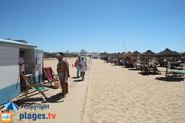 Accès à la plage de Vilamoura à Quarteira