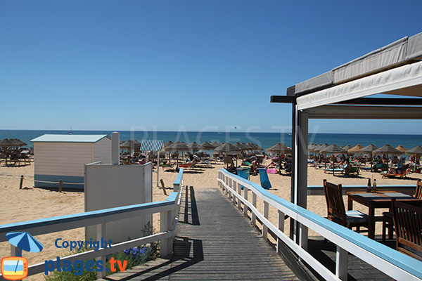 Restaurant sur la plage de Vilamoura à Quarteira