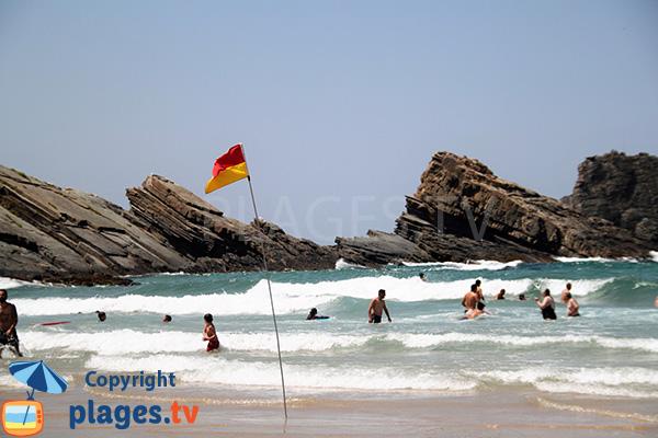 Plage pour le surf à Zambujeira do Mar
