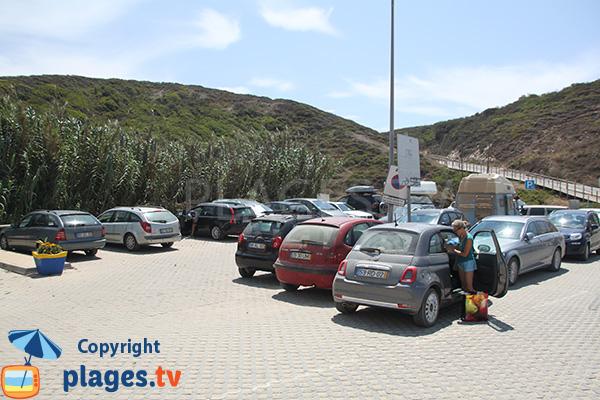 Parking de la plage de Zambujeira do Mar