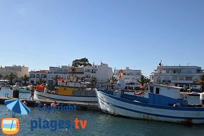 Port de Tavira dans le sud du Portugal - Algarve